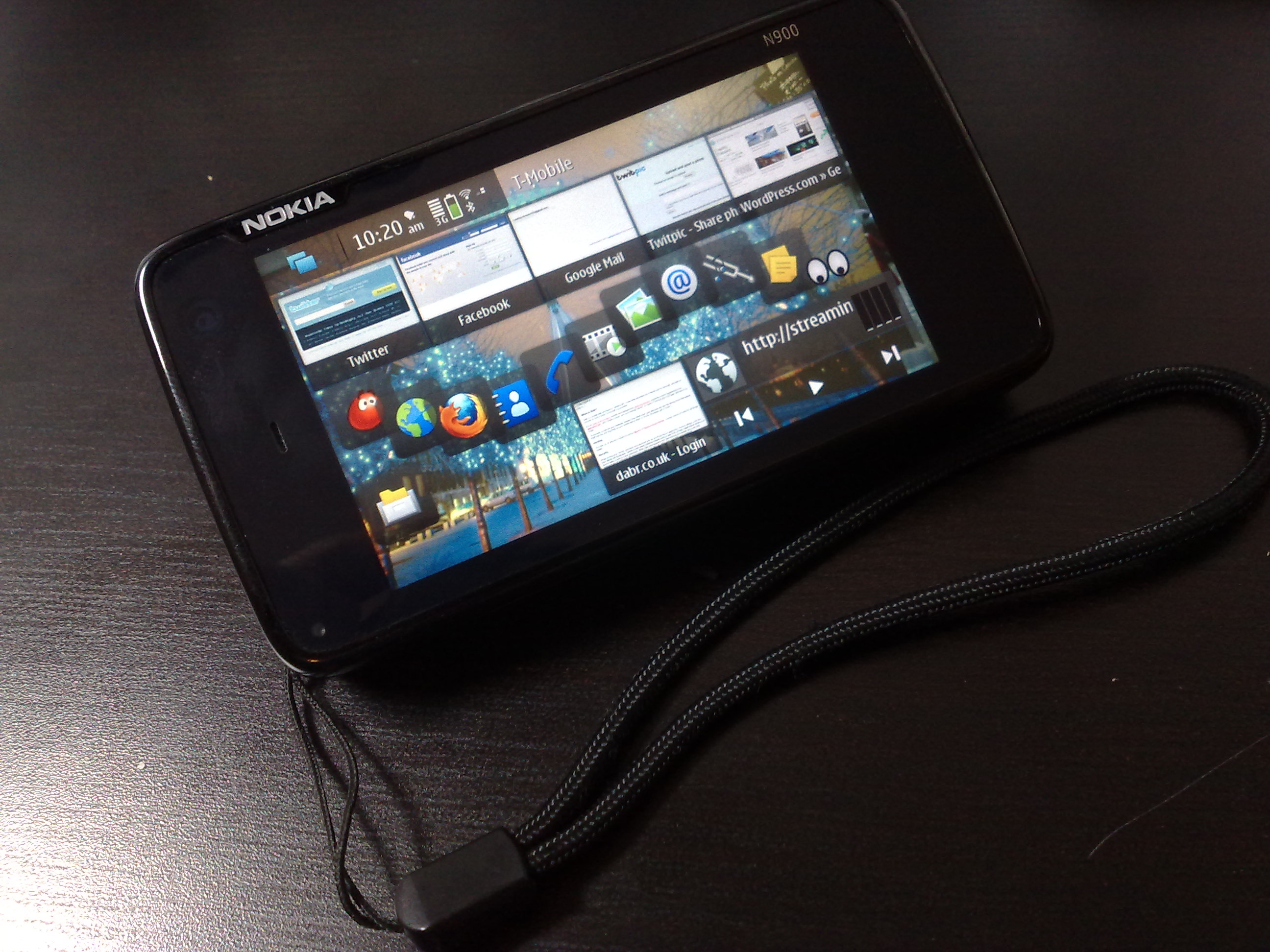 One week with the N900: 22 things I love and a few things (9) that I don't